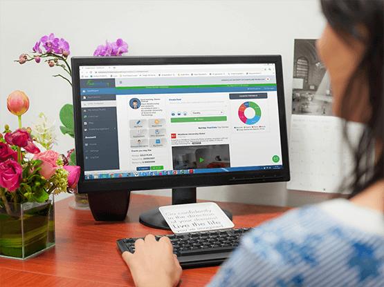 Desktop with flower